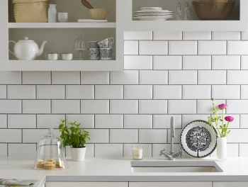 Bevelled White Subway Tiles 10x20
