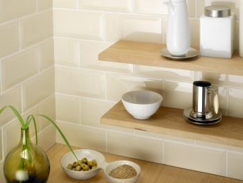 Bevelled Cream Subway Tiles 10x20